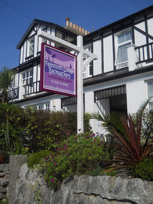 Falmouth Lodge Backpackers 9 Gyllyngvase Terrace Falmouth Cornwall TR11 4DL