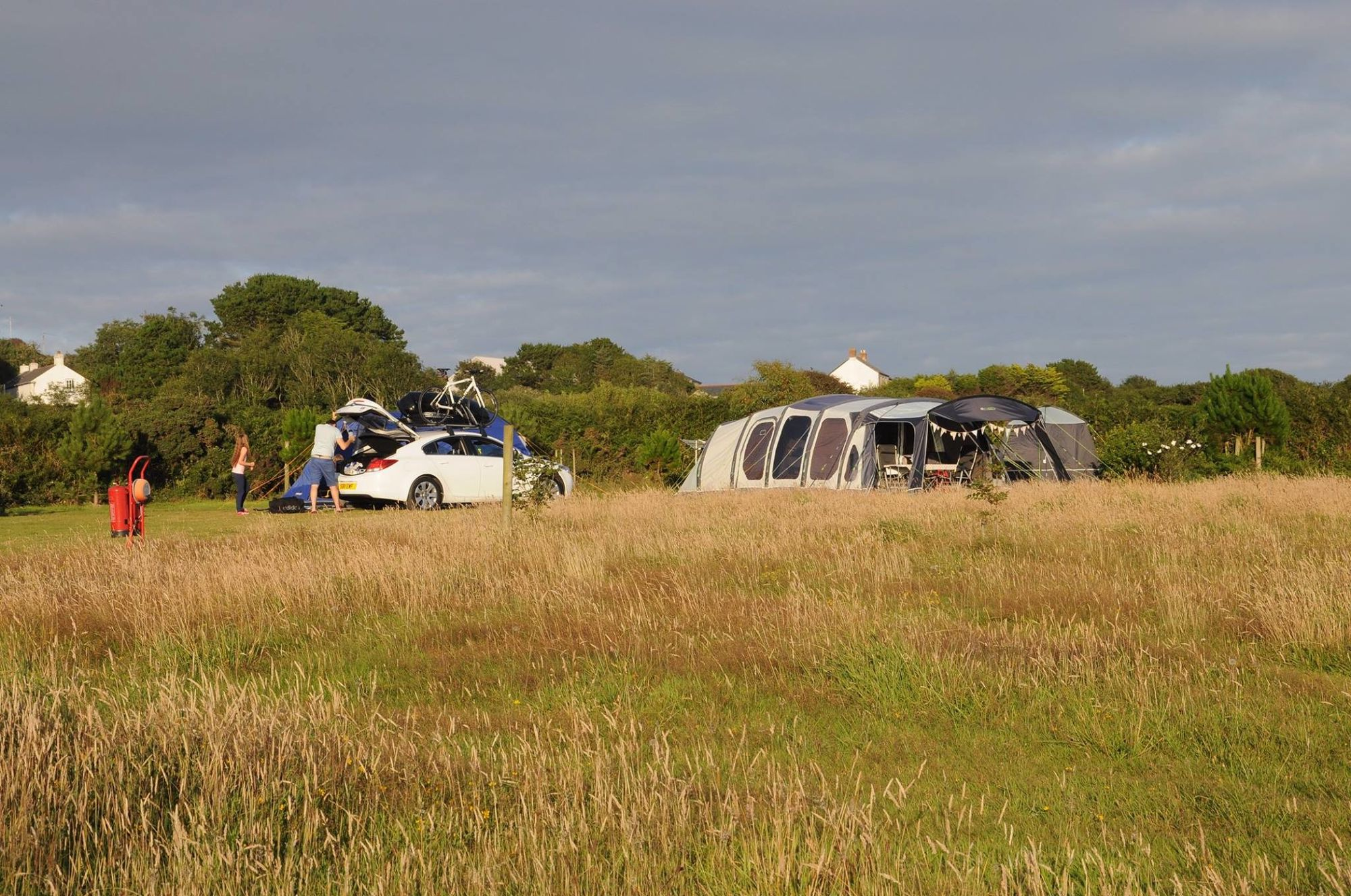 Campsites in Porthleven – Glampingly
