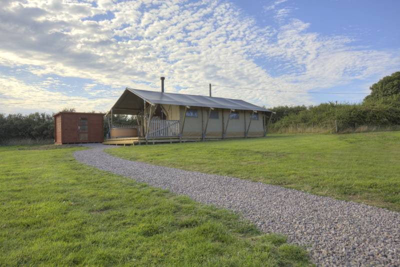 Safari tent within walking distance of two Llŷn Peninsula beaches