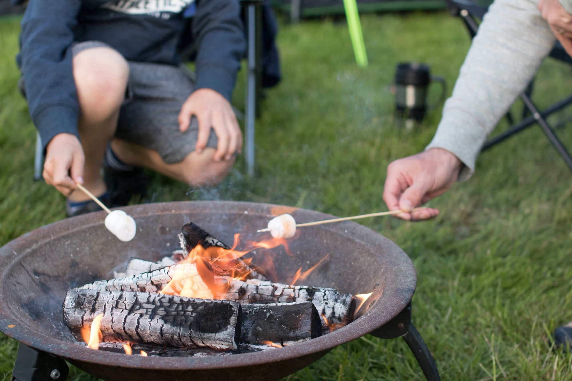 10 Top Tips on Building the Perfect Campfire