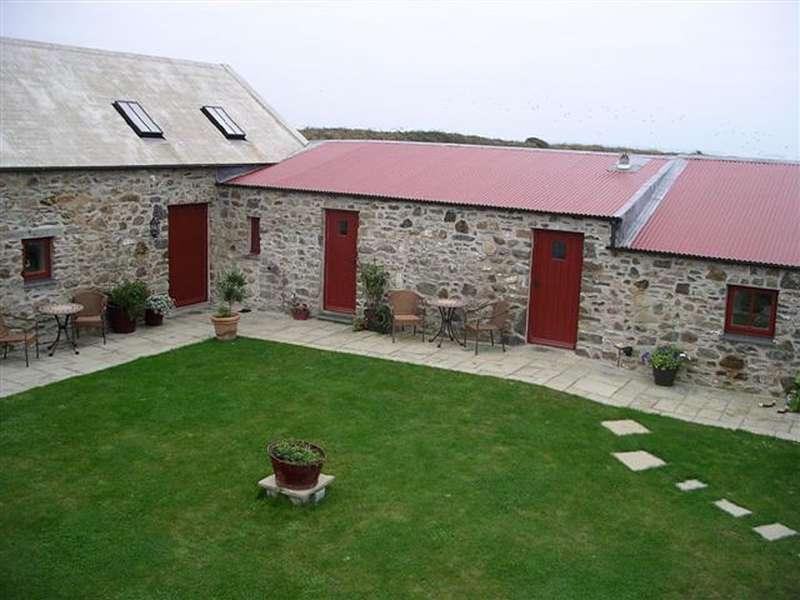 Porthllisky Farm Cottages