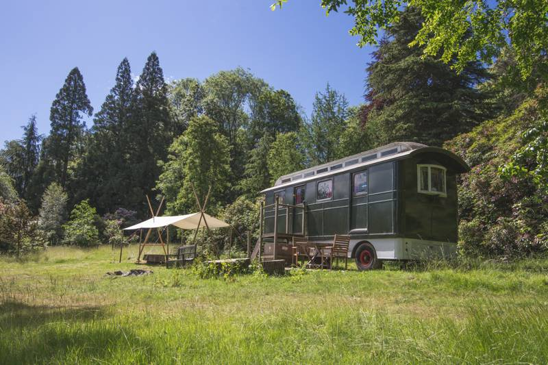 Green Glory Showman's Caravan