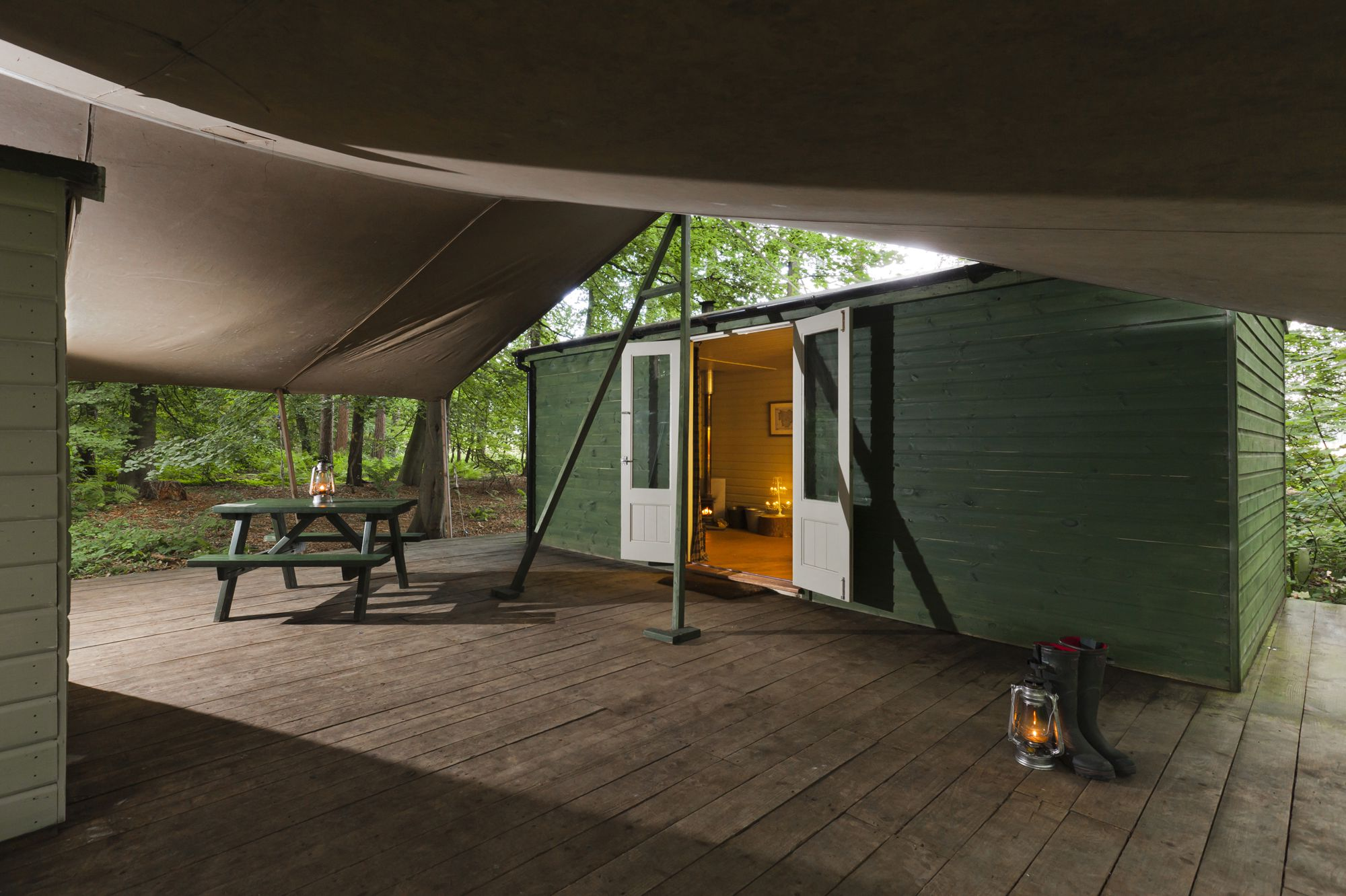 Super-sized woodland shepherds huts at Jollydays Glamping.