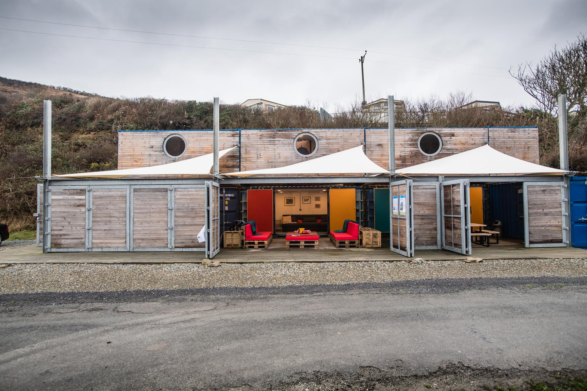 Glamping in New Quay – Glampingly