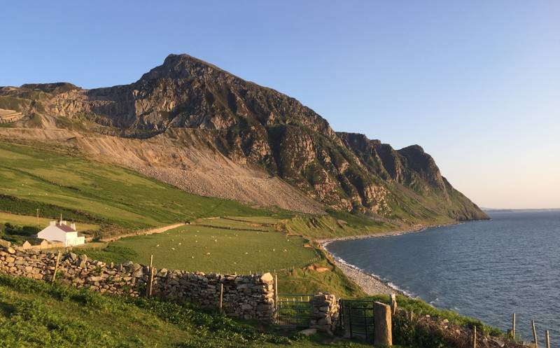 It's not just nearby Snowdonia that boasts impressive landscapes, the rugged Llyn Peninsula is an attraction of its own.