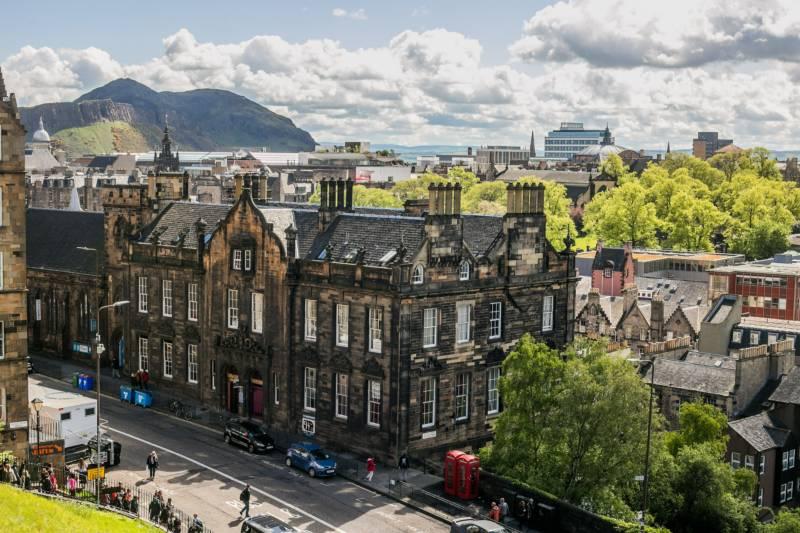 Campervan Hire in Edinburgh | Motorhome Rental in Edinburgh