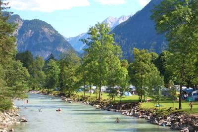 Large site with separate camping area on the banks of the Saalach in Austria's Salzburgerland.