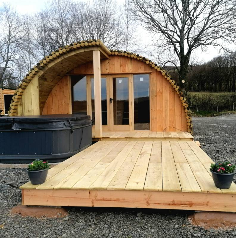 Cledan: A luxury cabin with hot tub