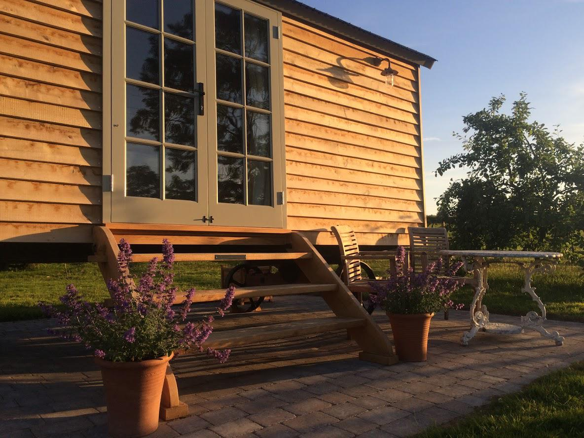 Glamping in Uttoxeter holidays at Glampingly