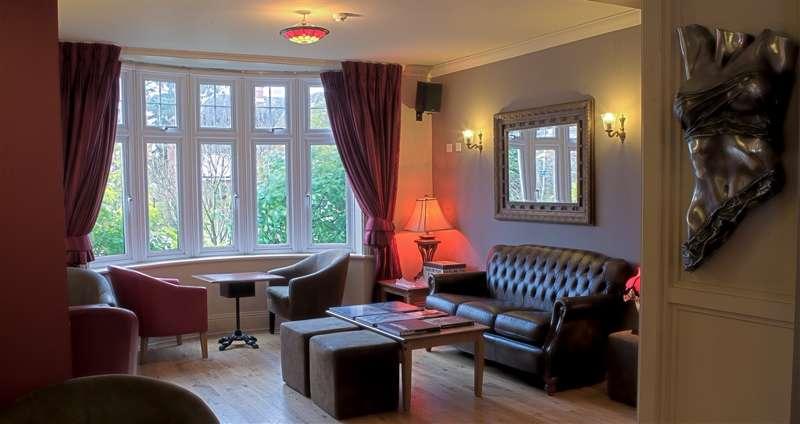 Hotel de Vie 22 Firgrove Hill Farnham Surrey GU9 8LQ