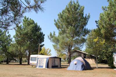 A tranquil campsite on the Atlantic Coast with all-weather watersports and cycling action to enjoy.