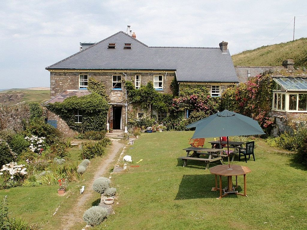 Hotels in Pembrokeshire holidays at Cool Places