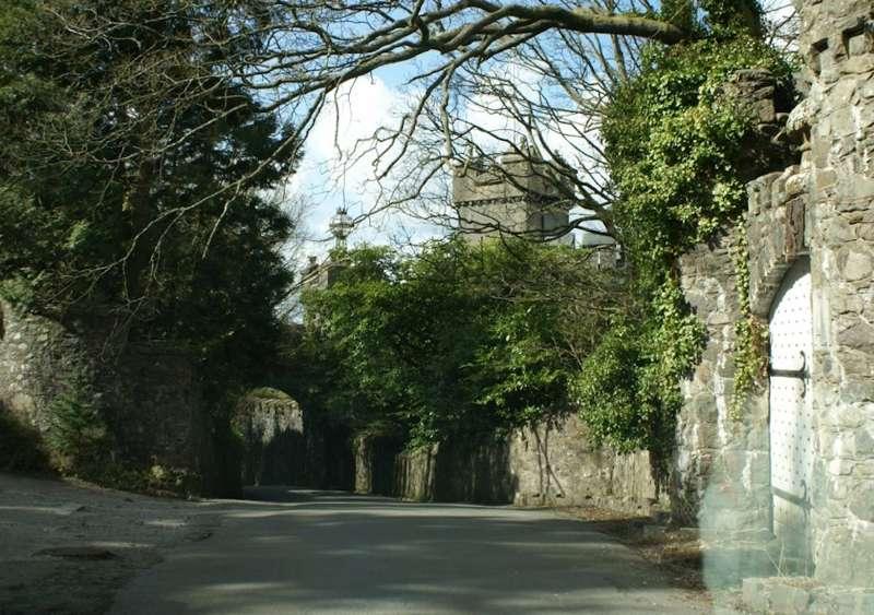 Bryn Bras Castle Llanrug Caernarfon Gwynedd LL55 4RE