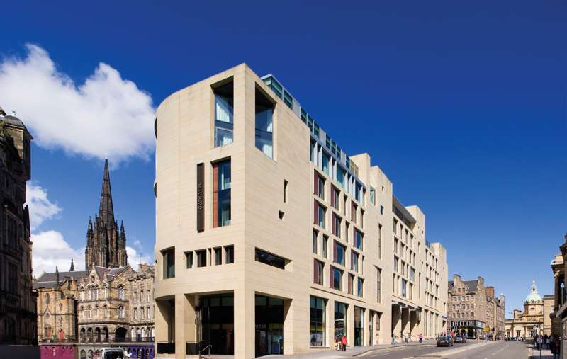 G & V Royal Mile Hotel 1 George IV Bridge Edinburgh EH1 1AD