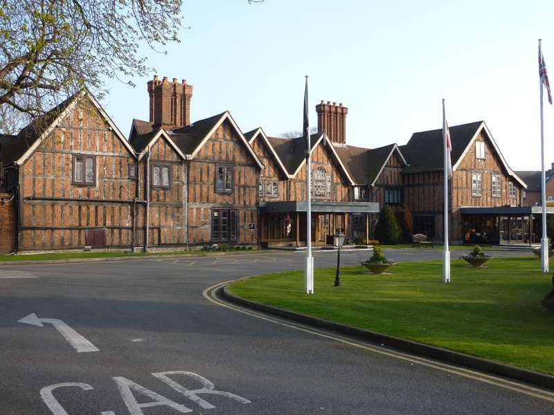 Alveston Manor Hotel Clopton Bridge Stratford-Upon-Avon Warwickshire CV377HP