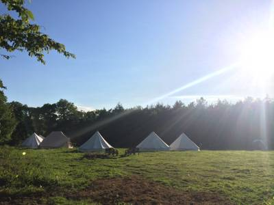 A bespoke East Sussex glampsite tailored to your requests. Ideal for wilderness weddings, arty parties, writers retreats and nature based kids' camps.