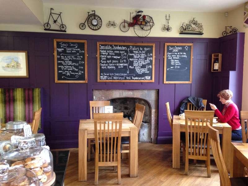 Tomlinson's Café