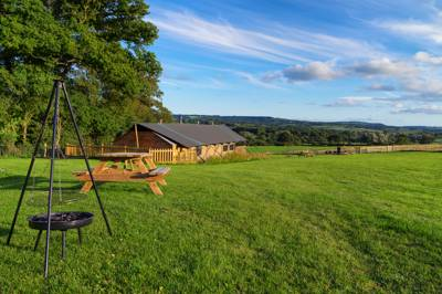 Lower Keats Glamping Lower Keats Farm, Broom Lane, Tytherleigh, Axminster, Devon EX13 7AZ