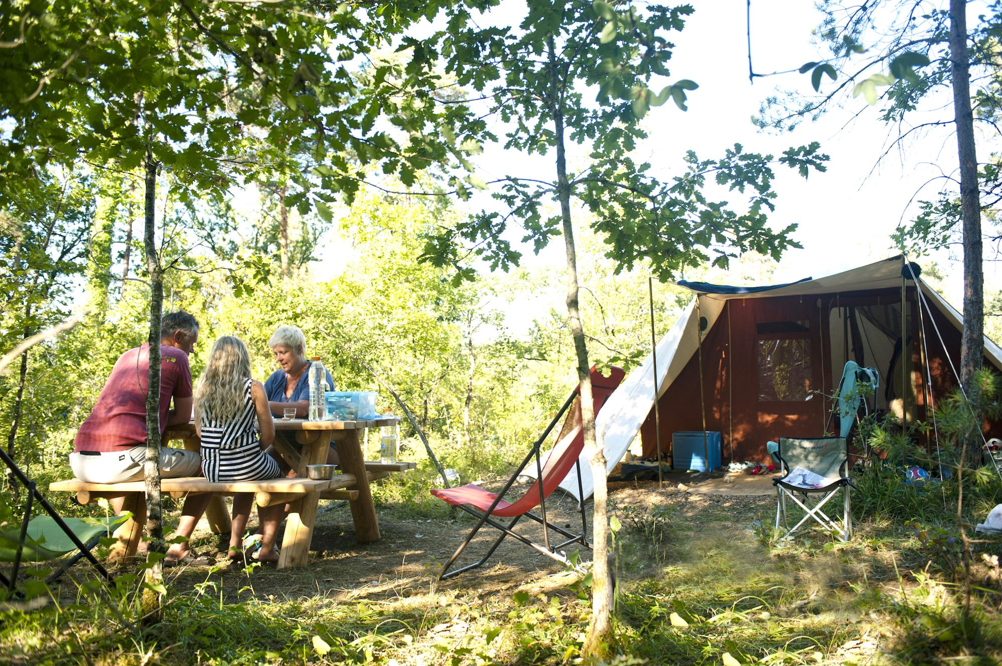 Woodland Camping in France - Forest Campsites & Woodland ...