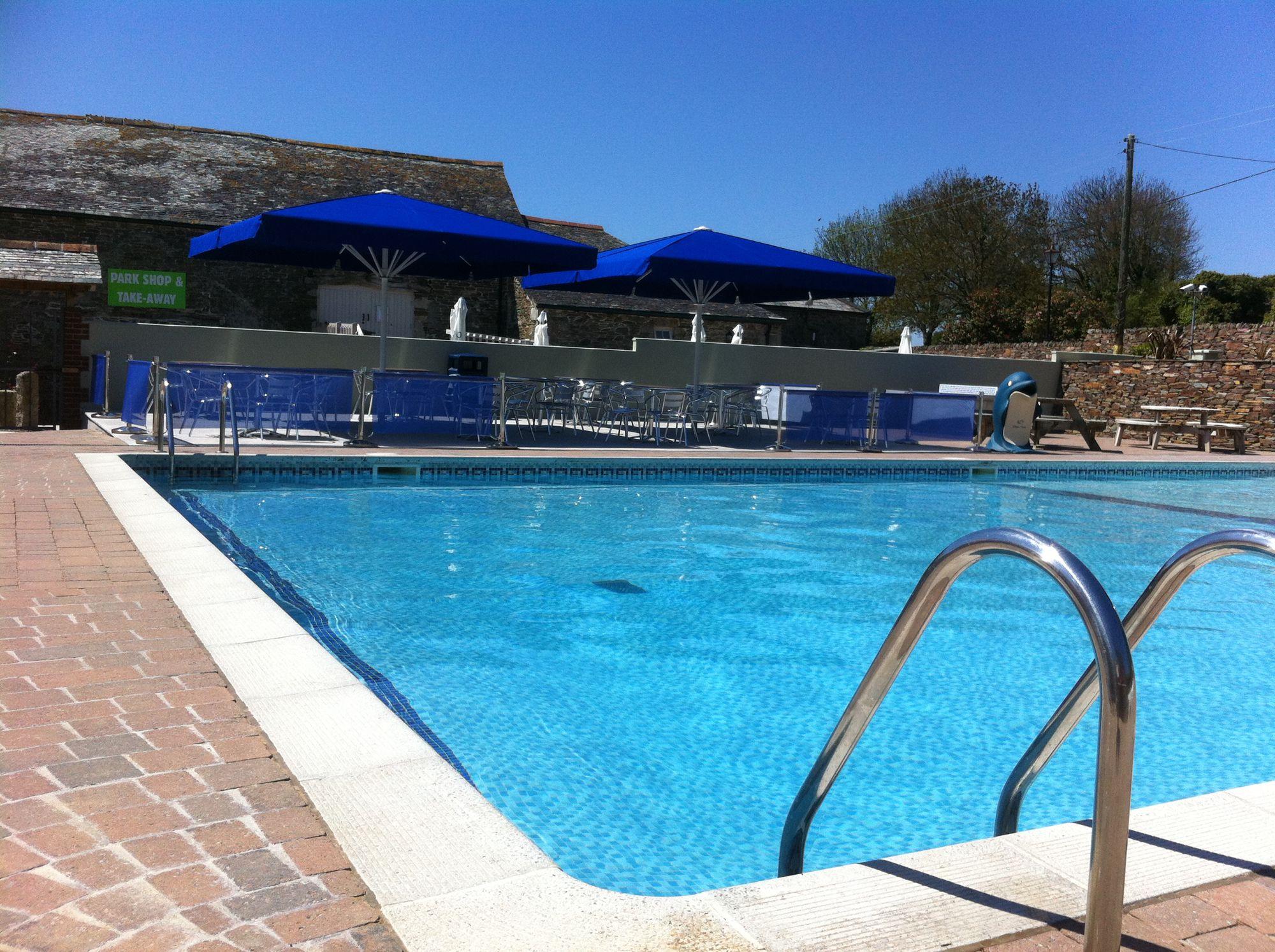 Campsites with Swimming Pools – UK