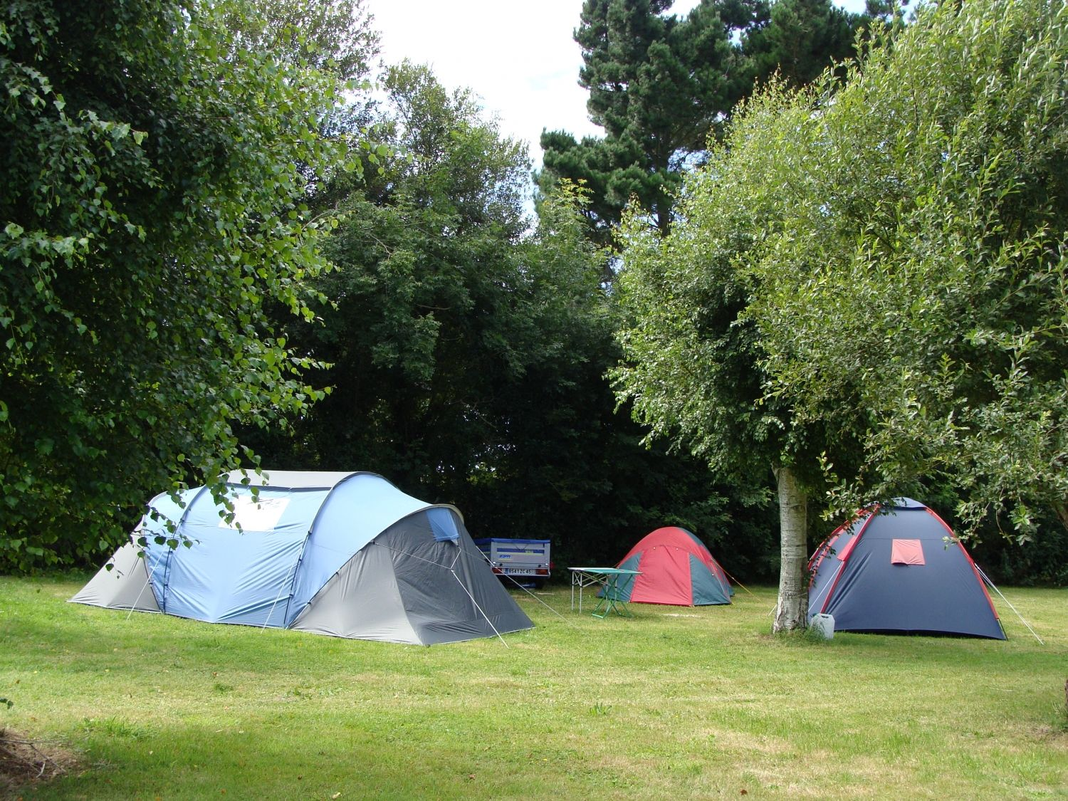 An active camping and holiday park in Brittany with extensive facilities, a water-park and a top location just a mile from the coast.