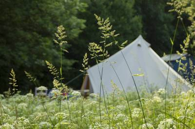 Beautiful bell tent glamping near the North Devon coast with ample space for the three boutique family-sized bells.