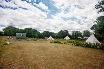 Glamping in Kent: Shepherd's huts, tipis, bell tents and more offer both a convenient escape from London and a pleasant rural location in the Garden of England.