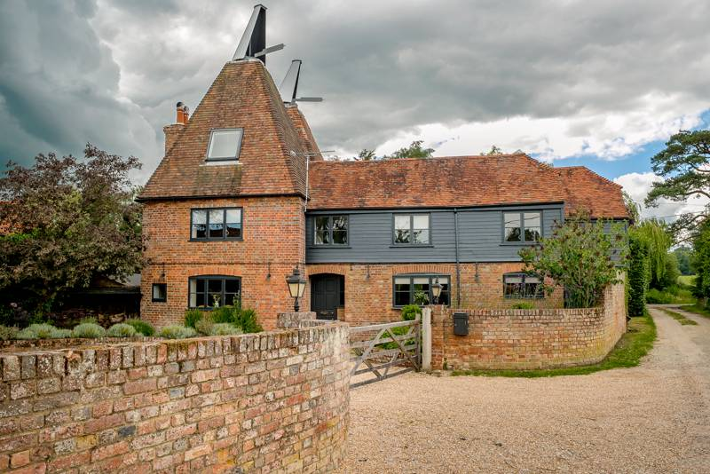 Horne's Place Oast & Barn