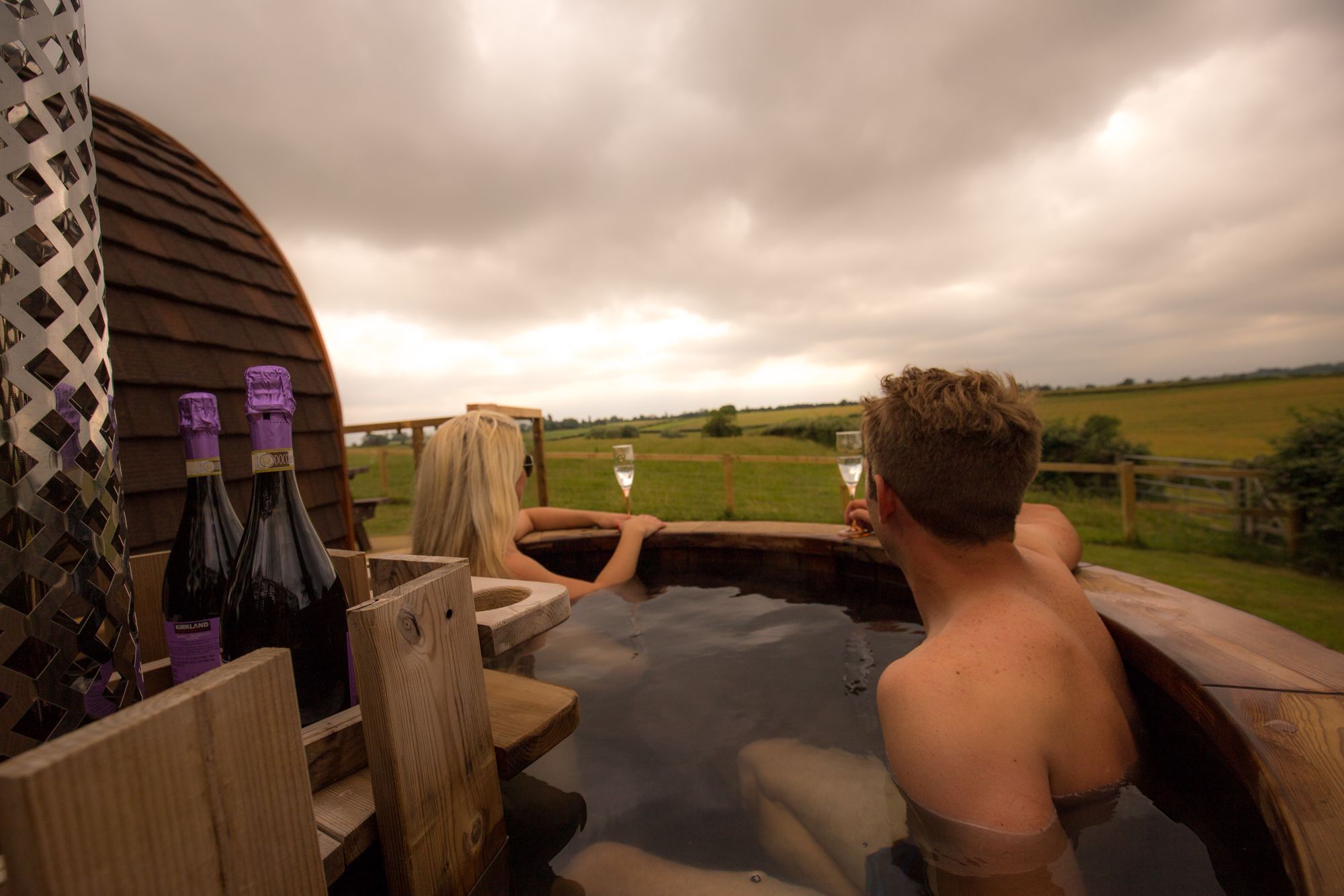Hot Tub Glamping Near London | Best Glamping Accommodation