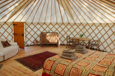 Walnut Farm Glamping Walnut Farm, Melplash, Bridport, Dorset DT6 3UG