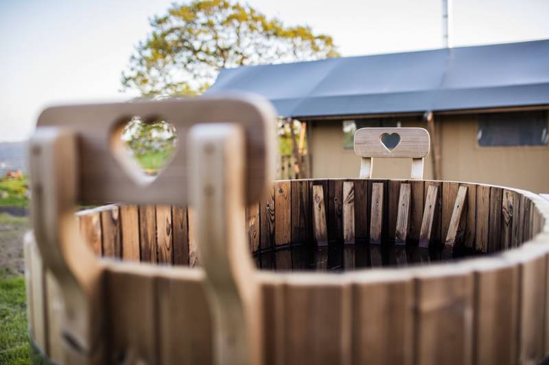 Hot Tub Glamping in Wales   Glampsites with jacuzzis in Wales