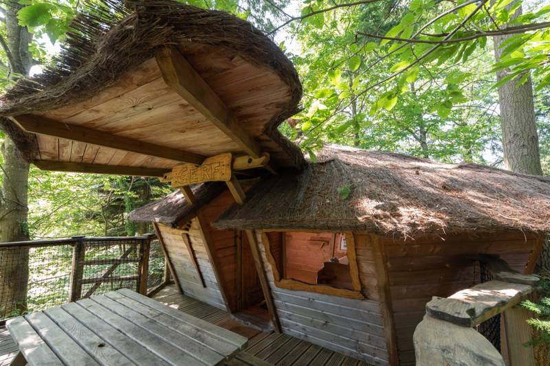 """Cerf"" Deer Tree House"