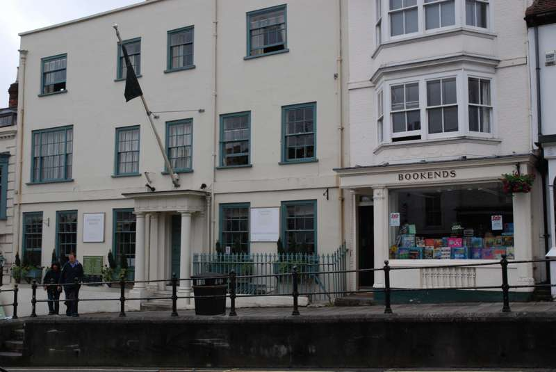 Stanwell House 14–15 High Street Lymington SO41 9AA