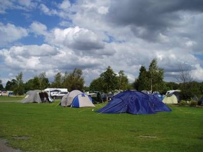 If you and your brood fancy an action-packed trip, head for Bosworth Water Trust campsite, on a 50-acre country park with 20 acres of water sports.