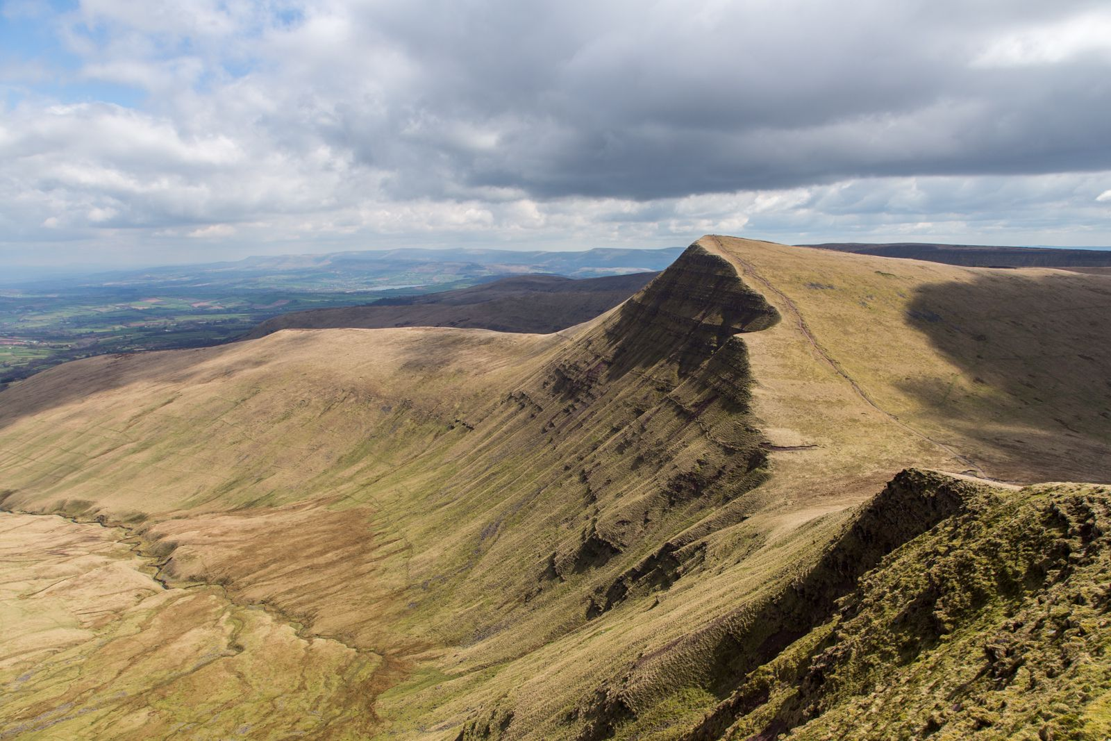 Hotels, Cottages, B&Bs & Glamping in the Brecon Beacons