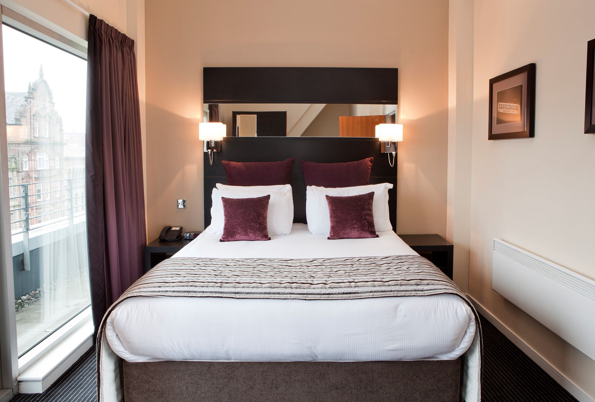 Self-Catering in Glasgow holidays at Cool Places