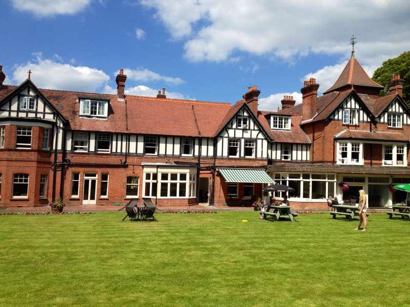 Forest Park Hotel Rhinefield Rd Brockenhurst Hampshire 42 7ZG