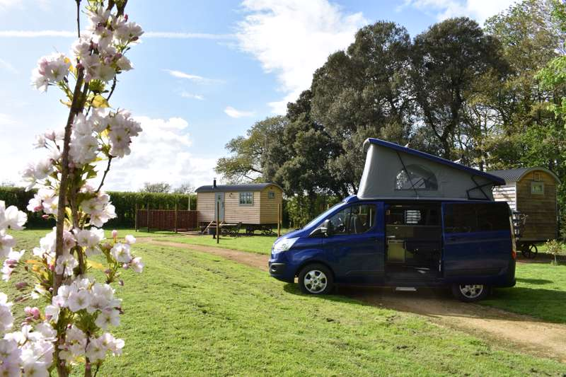 Jordans Estate Campervan Hire Jordans Glamping, Shrubbery Farmhouse, Ilminster, Somerset, TA19 9LA