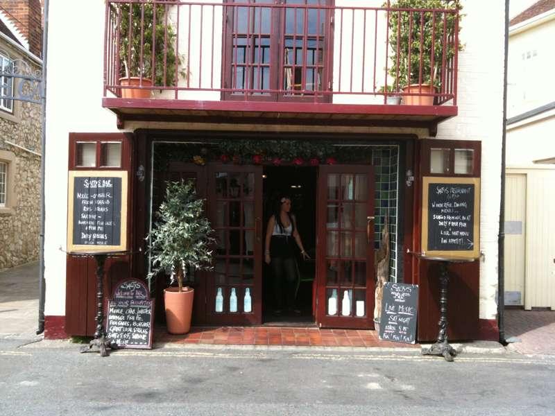 Salty's Fish Restaurant & Bar