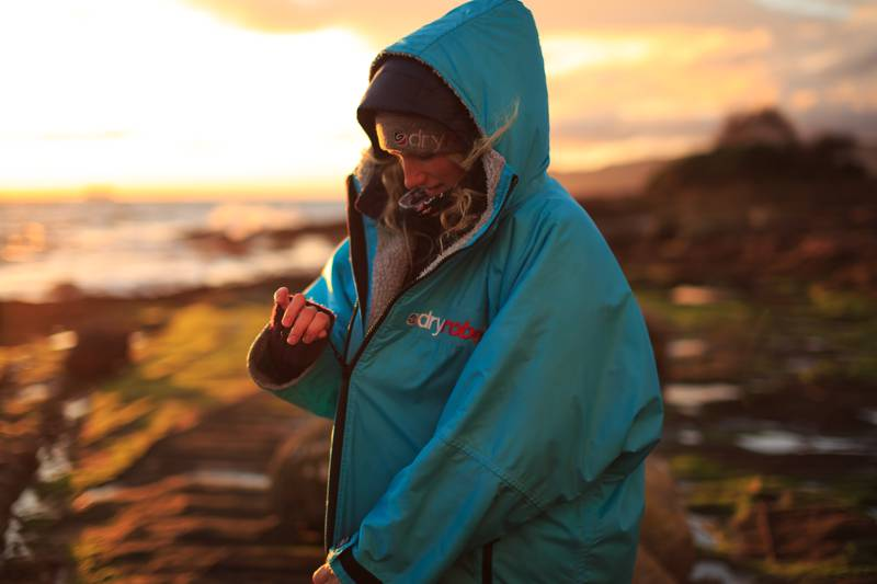 The dryrobe Advance Long Sleeve keeps you warm and dry whatever the weather.