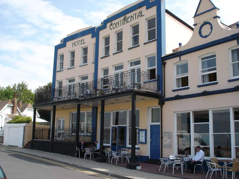 Hotel Continental 29 Beach Walk Whitstable CT5 2BP