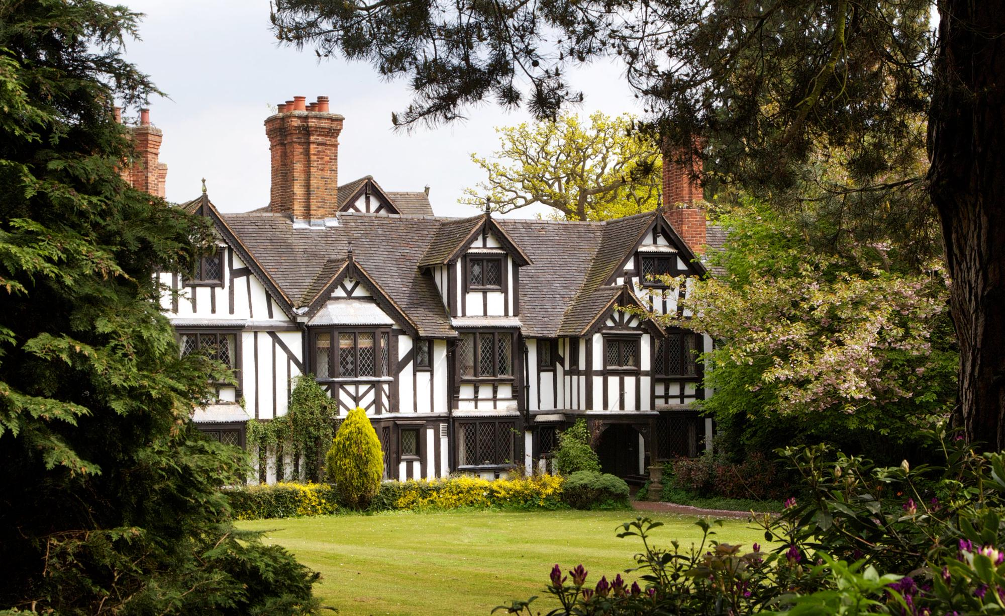 Hotels in Kenilworth holidays at Cool Places