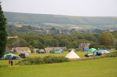 Fantastic, spacious countryside spot accessible by a steam train running to the coast.