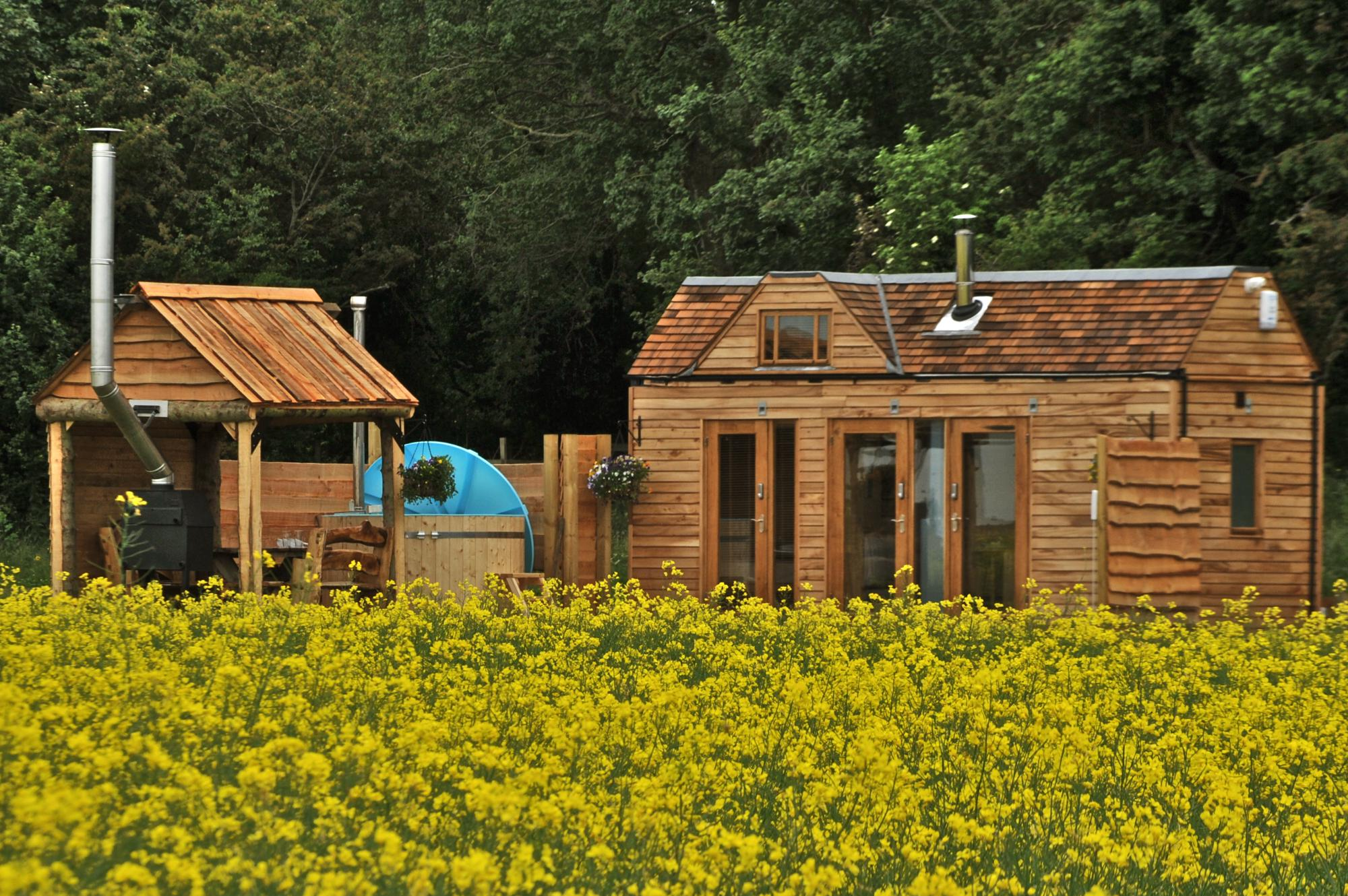 Glamping in Warwickshire holidays at Cool Places