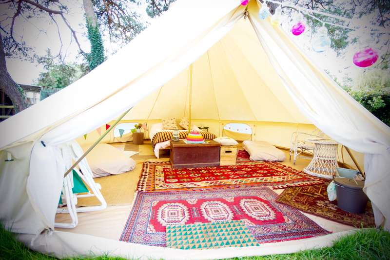 Luxury Bell Tent 5m & Luxury Bell Tent 5m at Harryu0027s Field - Cool Camping