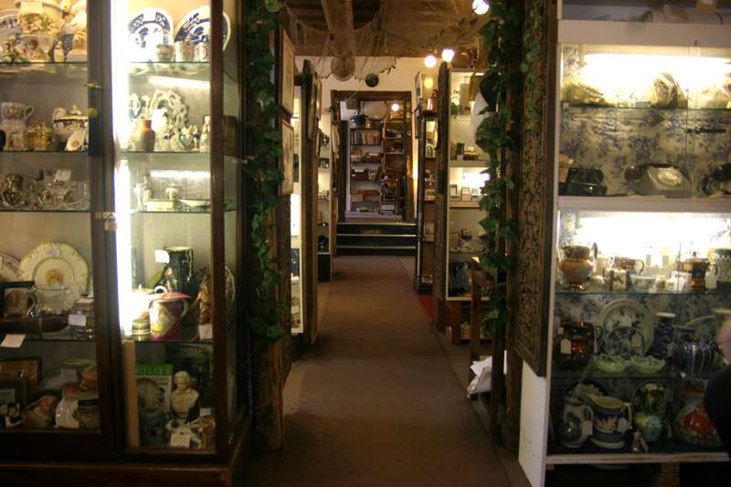 Tombland Antiques & Collectables