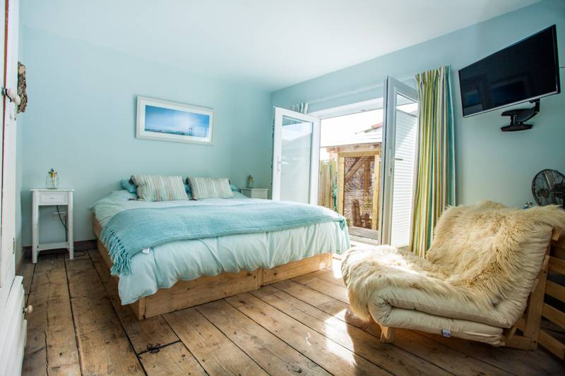 Driftwood Beach House 230 Faversham Rd Seasalter Whitstable Kent CT5 4BL