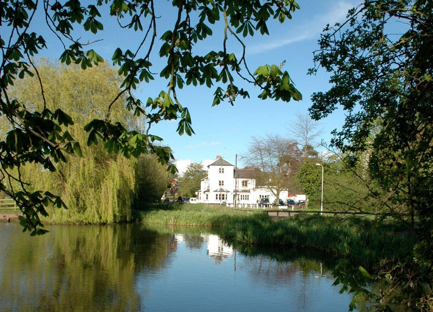 Hotels, Cottages, B&Bs & Glamping in Hertfordshire