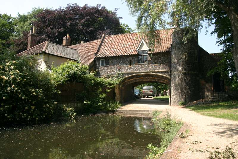 Pull's Ferry to Elm Hill Walk