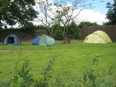 Orchard Camping Tumble Dove Farm, Halifax Road, Sheffield, West Yorkshire S36 7EY